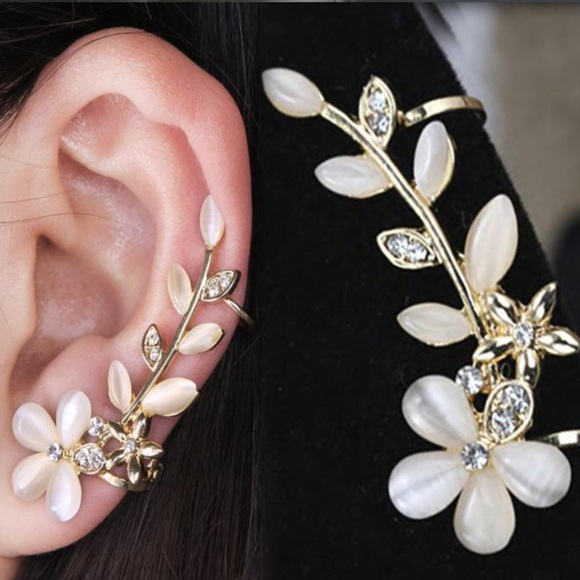 Boutique Jewelry - NEW Gold Floral Crystal Clip Crawl Earring Jewelry